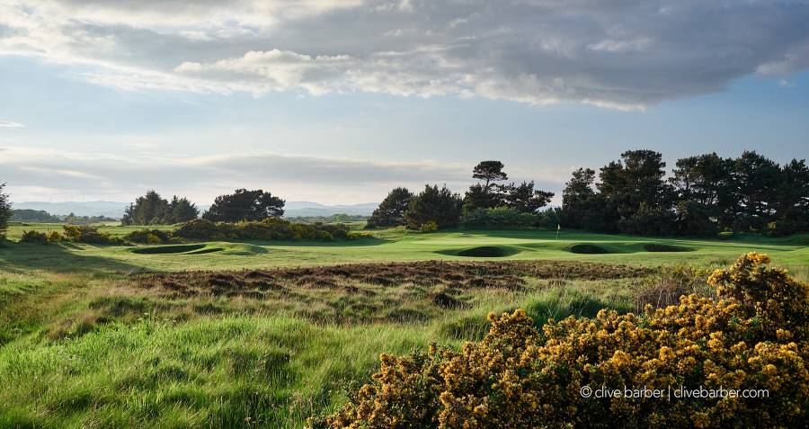 Looking at Hole No. 8 (Saddle Back) green, The Irvine GC (Bogside) - Irvine, Scotland